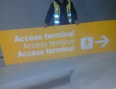 Cartelería Aeropuerto de Santiago