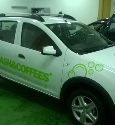 Rotulación de vehículo comercial Wash&Coffes